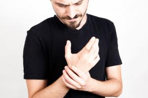 What is Thumb Arthritis and How is it Caused