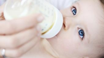 Dr. Anna Wolak, MBBS, MCFP, discusses tips on how to introduce solid foods to your baby.