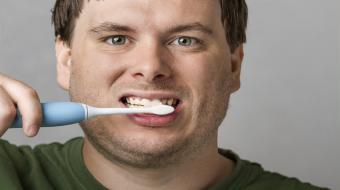 dental teeth brushing man
