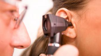 Dr. Egidius Stockenstrom, MD, discusses earache symptoms and treatments.