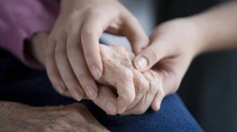 Dr. Kam Shojania, MD FRCPC, Rheumatologist, discusses rheumatoid arthritis symptoms.