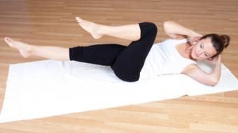 woman stomach exercise